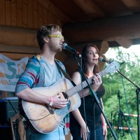 bryyn and rachel making music at cswiss open air festival
